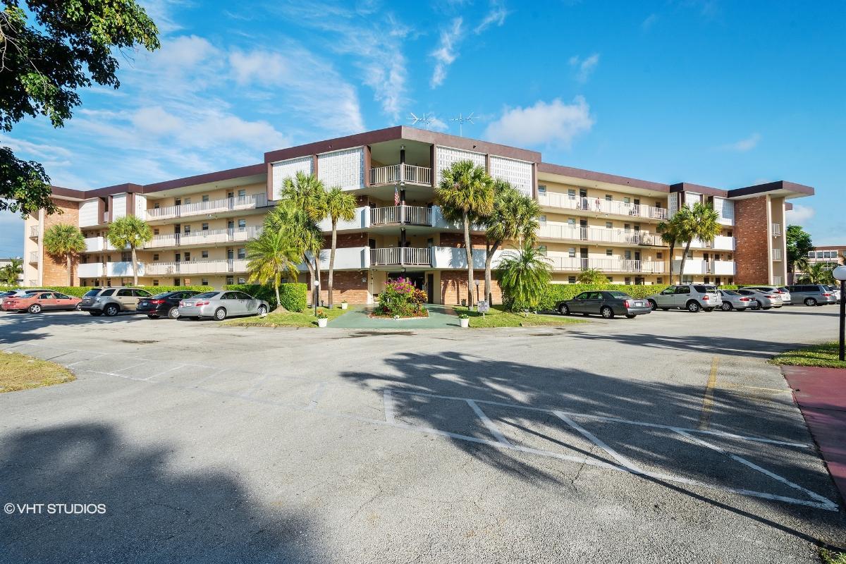 2900 Nw 47th Ter Apt 308, Lauderdale Lakes, Florida