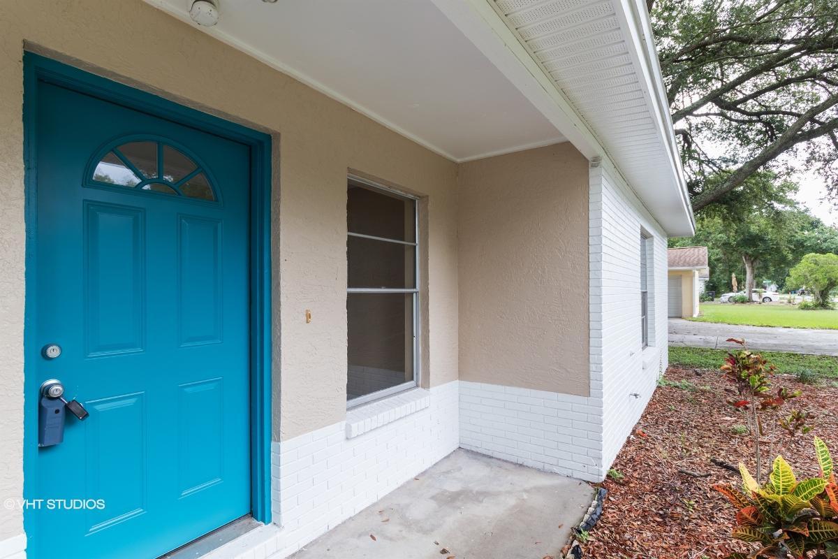 1836 Kim Acres Ln, Dover, Florida
