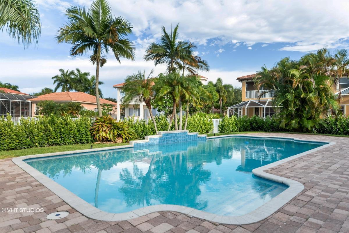 4823 Nw 124th Way, Coral Springs, Florida