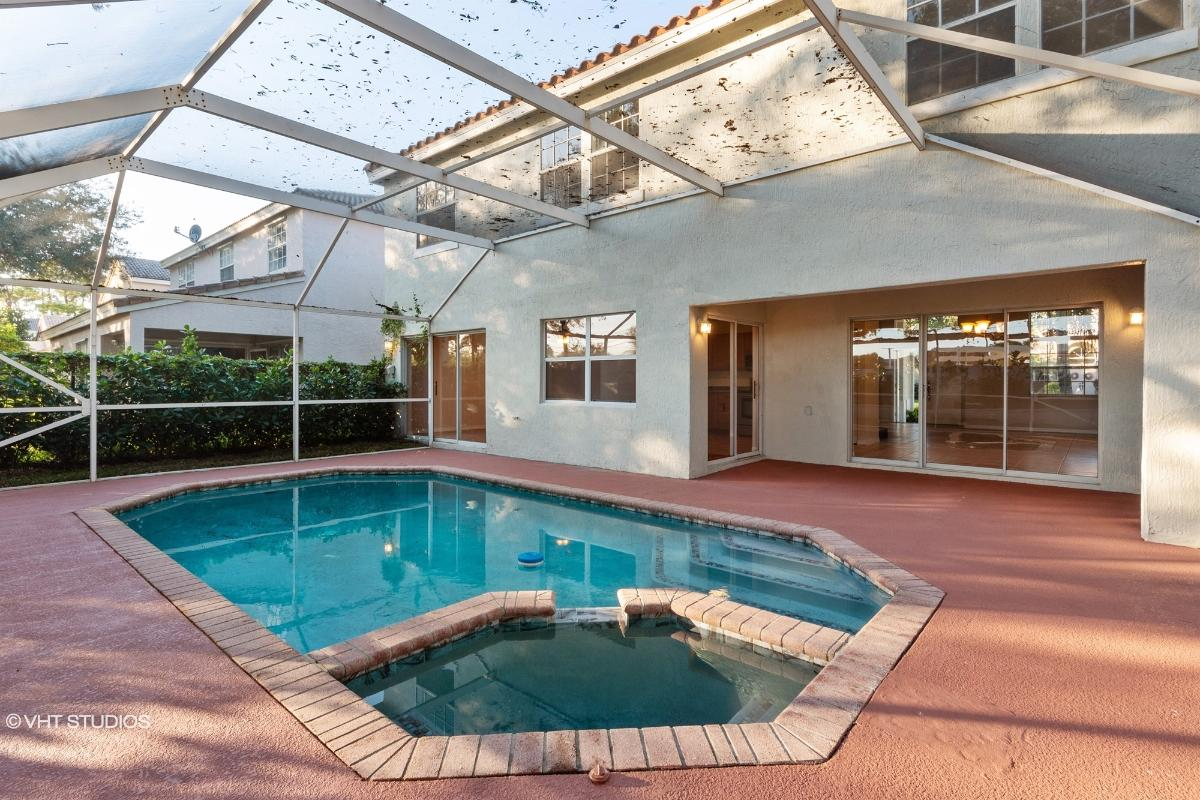 8360 Nw 46th Dr, Coral Springs, Florida