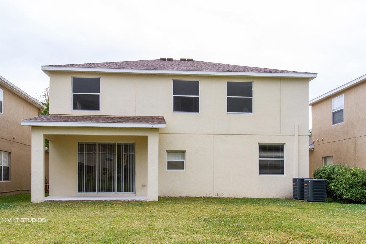 8833 Cameron Crest Drive, Tampa, Florida