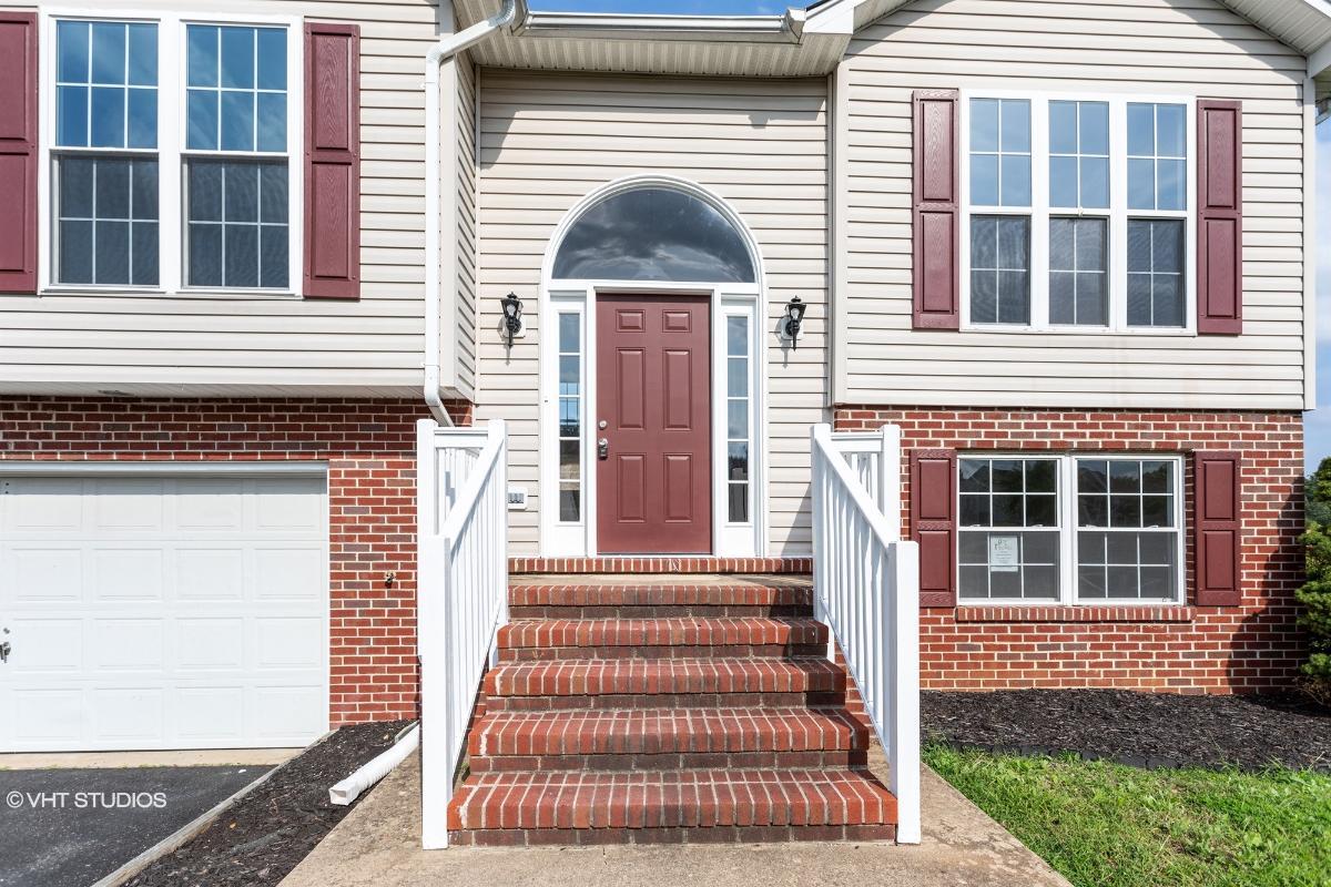 9803 Cannonball Ct, Fredericksburg, Virginia