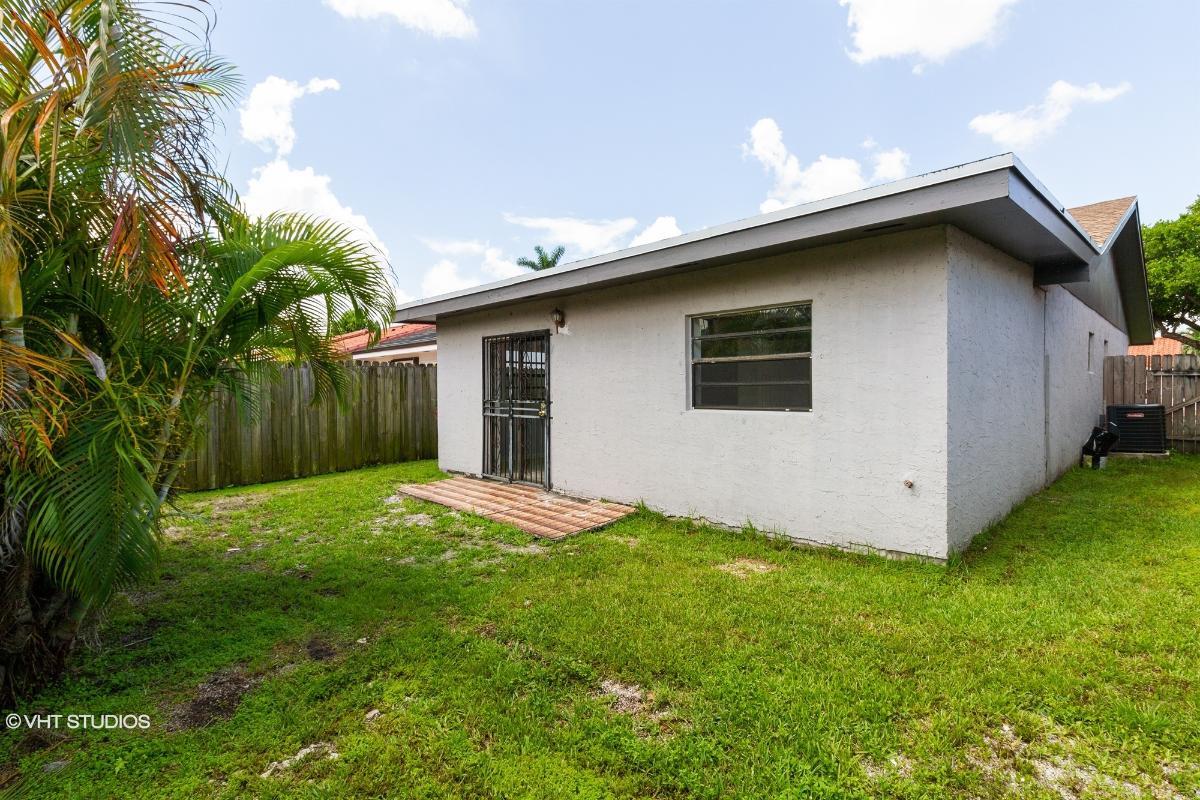 6071 W 22nd Ln, Hialeah, Florida