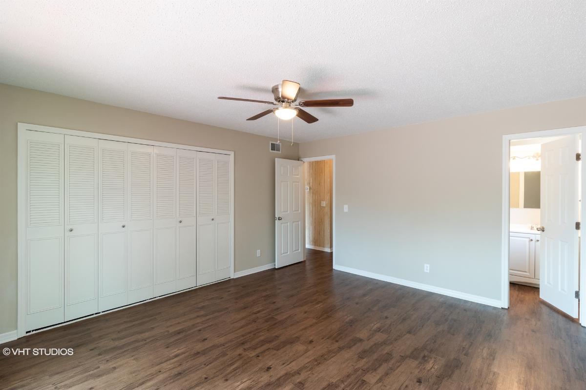 11050 Oak Ridge Drive N, Jacksonville, Florida