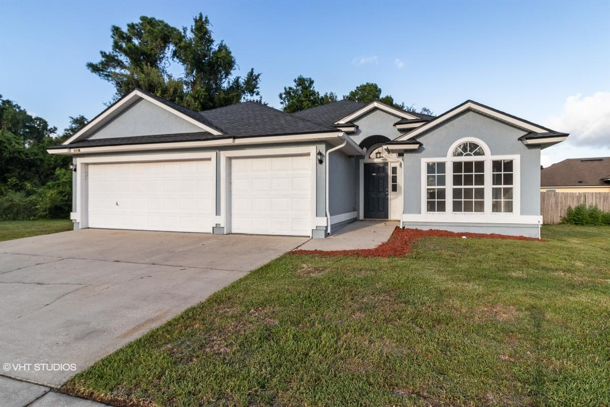 2415 Coachman Lake Dr, Jacksonville, Florida