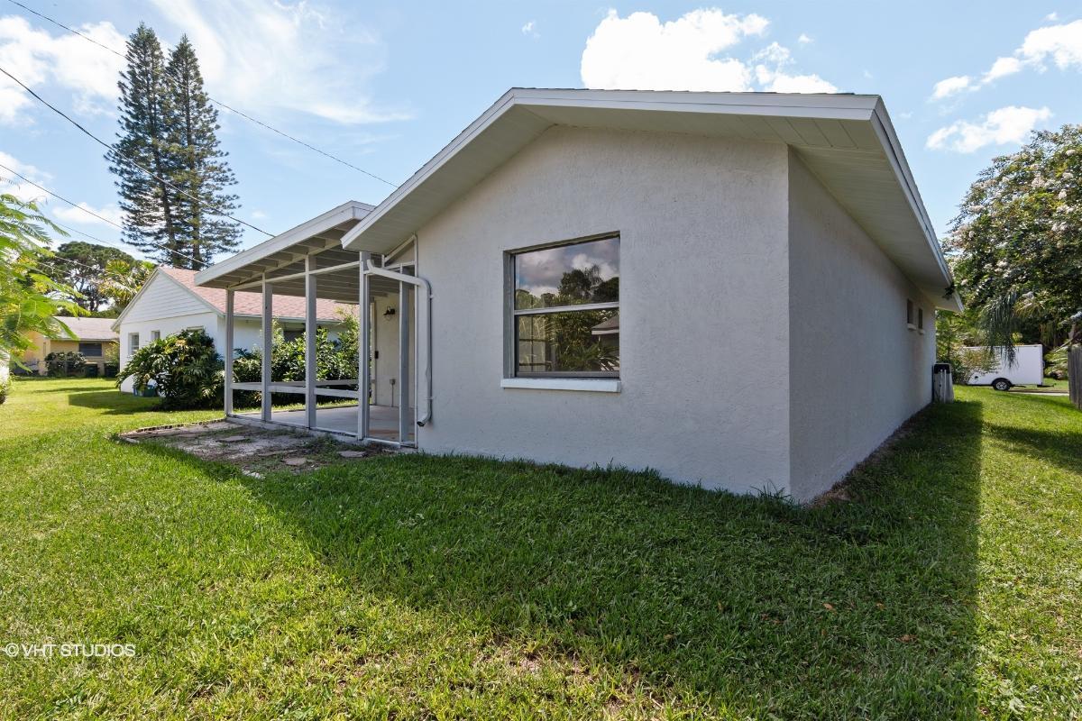 3512 Chapel Dr, Sarasota, Florida