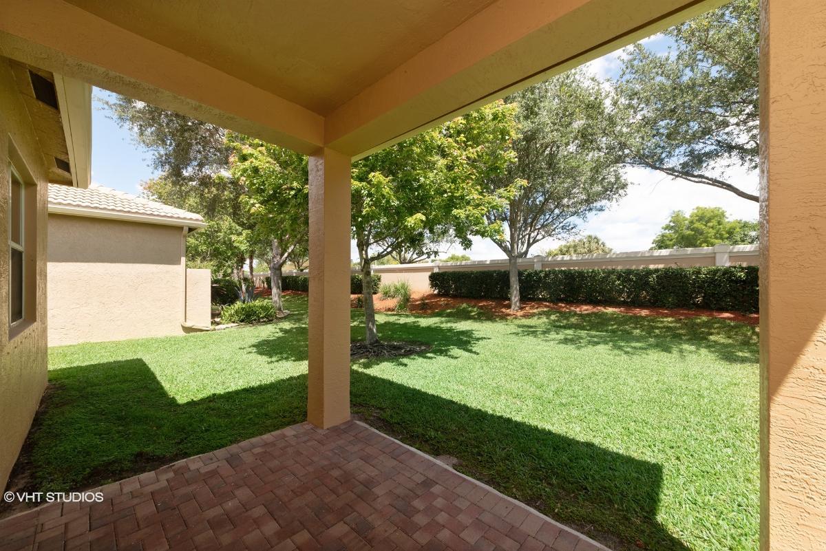 7365 Forest Park Way, Boynton Beach, Florida