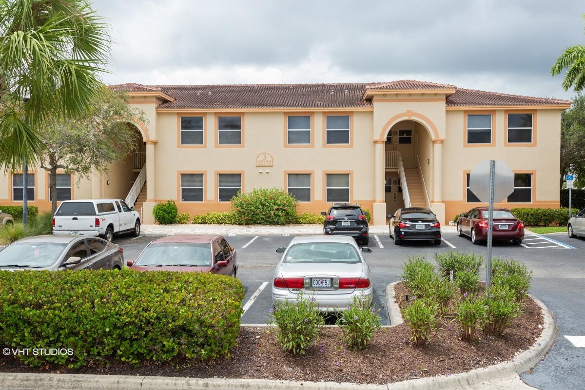 15379 Bellamar Cir Apt 314, Fort Myers, Florida