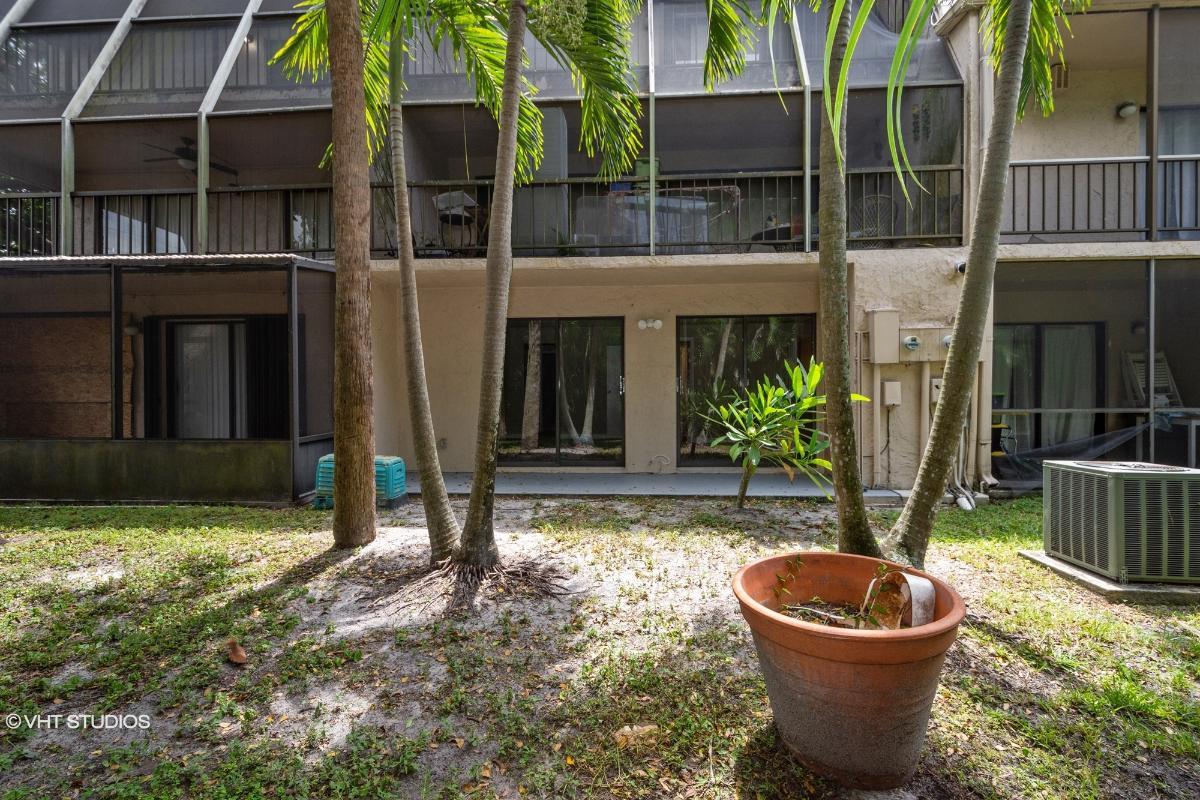 647 N University Dr 21, Plantation, Florida