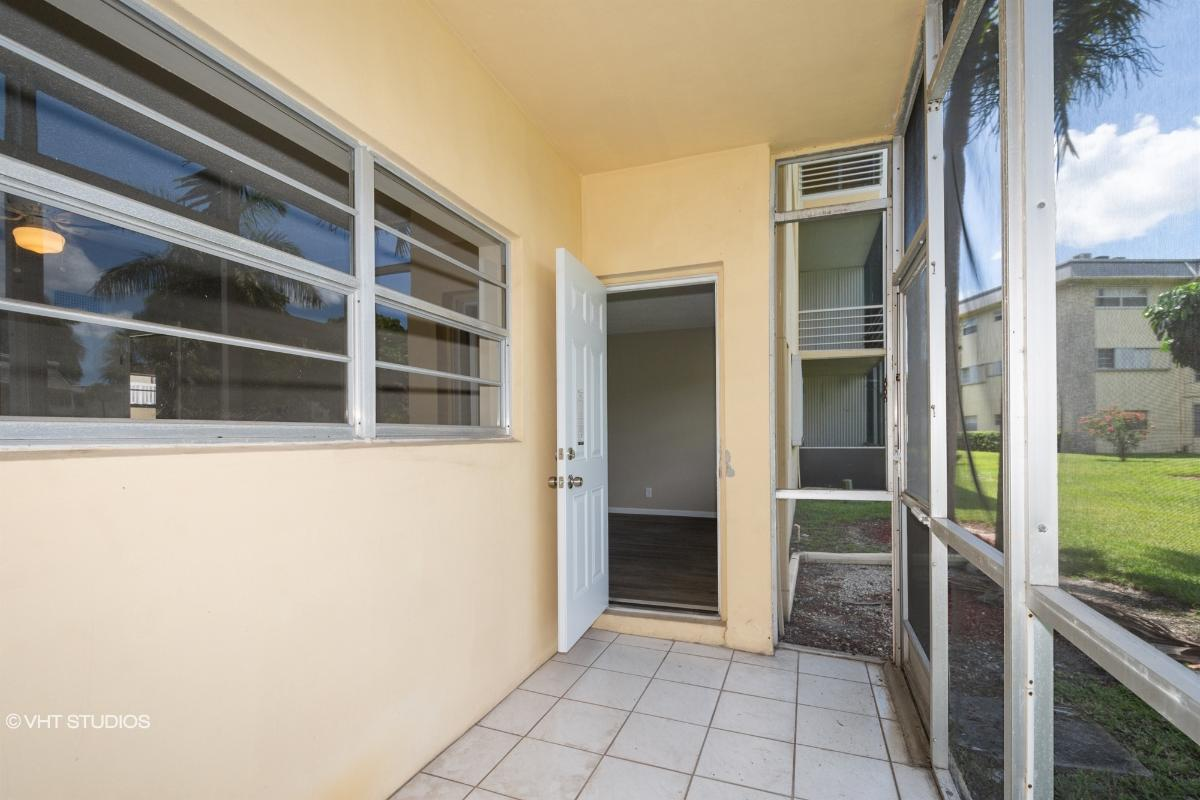 4441 Nw 16th Street Unit 105j, Lauderhill, Florida