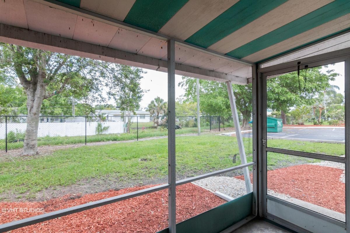1581 Leisure Dr Unit M7, Bradenton, Florida