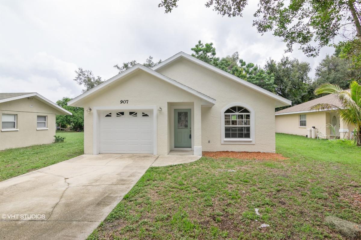 907 38th Terr E, Bradenton, Florida