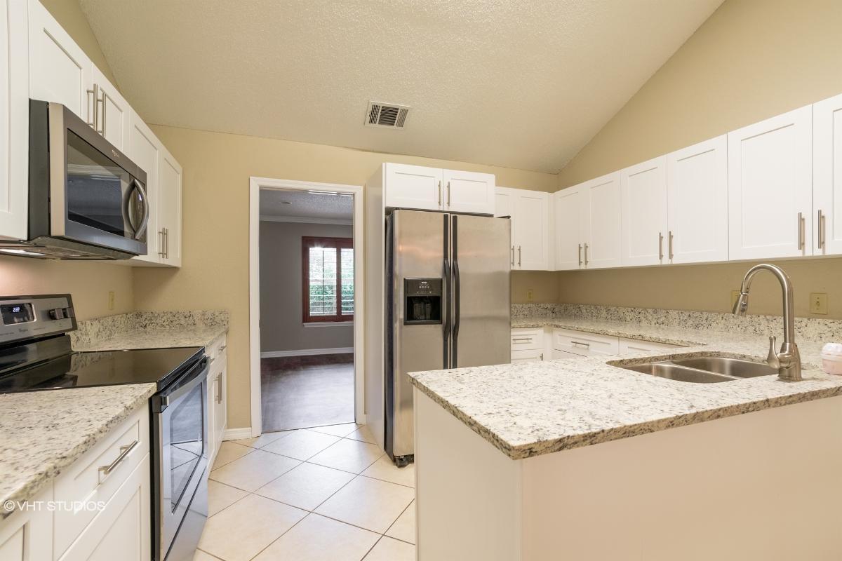 937 Oakpoint Cir, Apopka, Florida