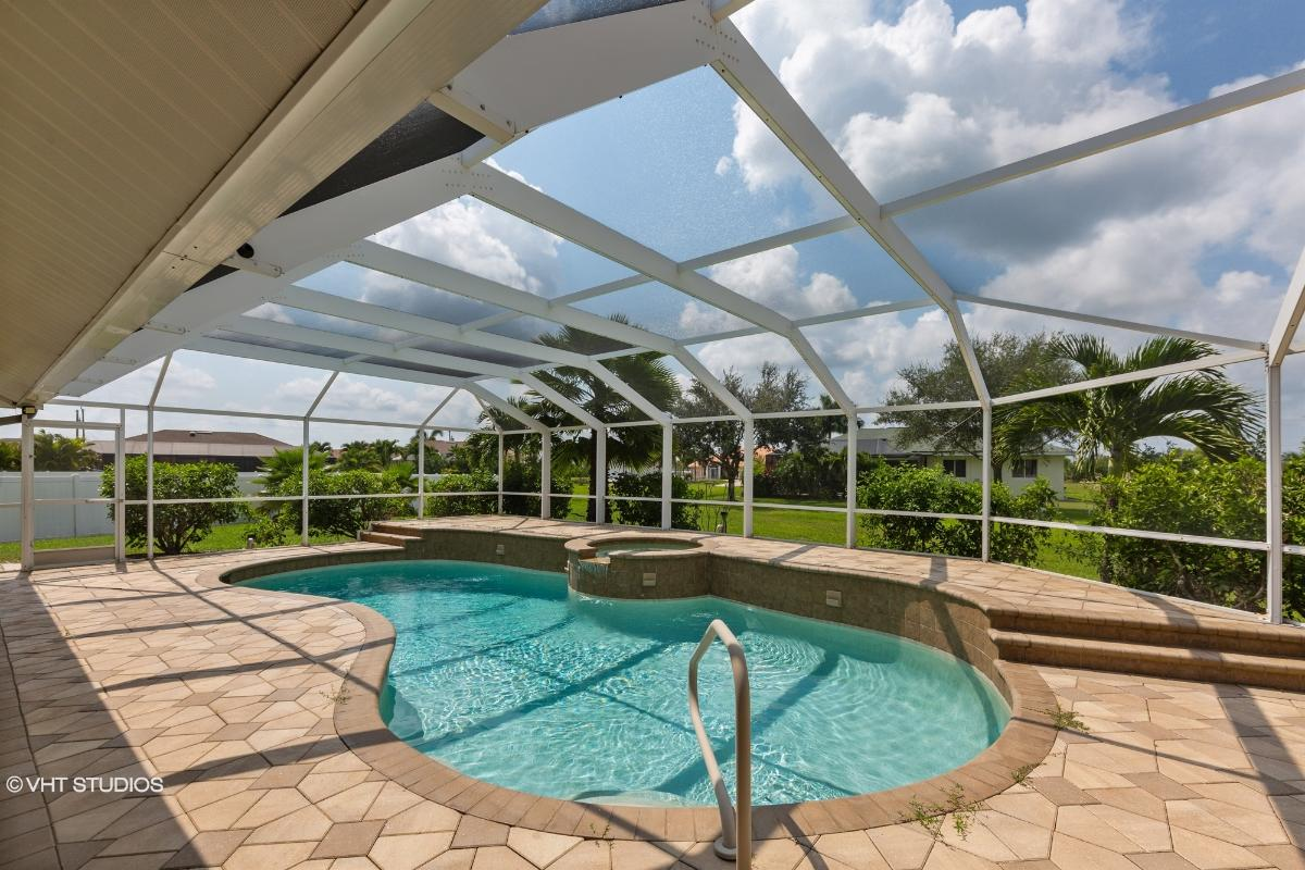 2331 Sw 27th Terrace, Cape Coral, Florida