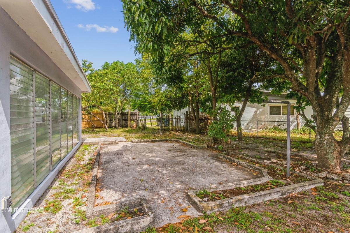 440 Ne 180th Dr, North Miami Beach, Florida