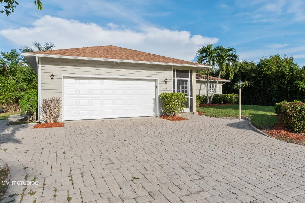 123 Cyrus St, Marco Island, Florida