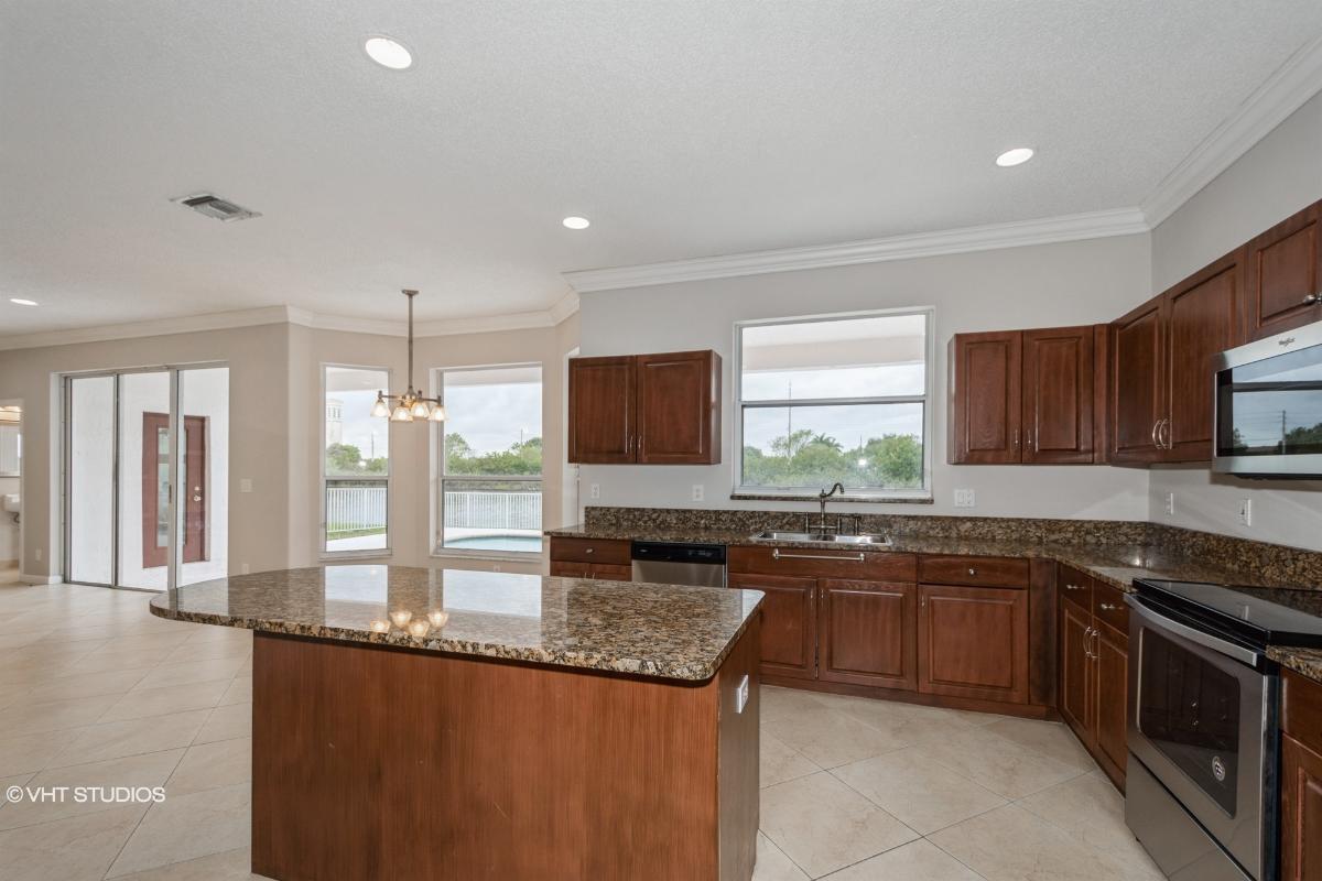 2646 Sw 183rd Ave, Miramar, Florida