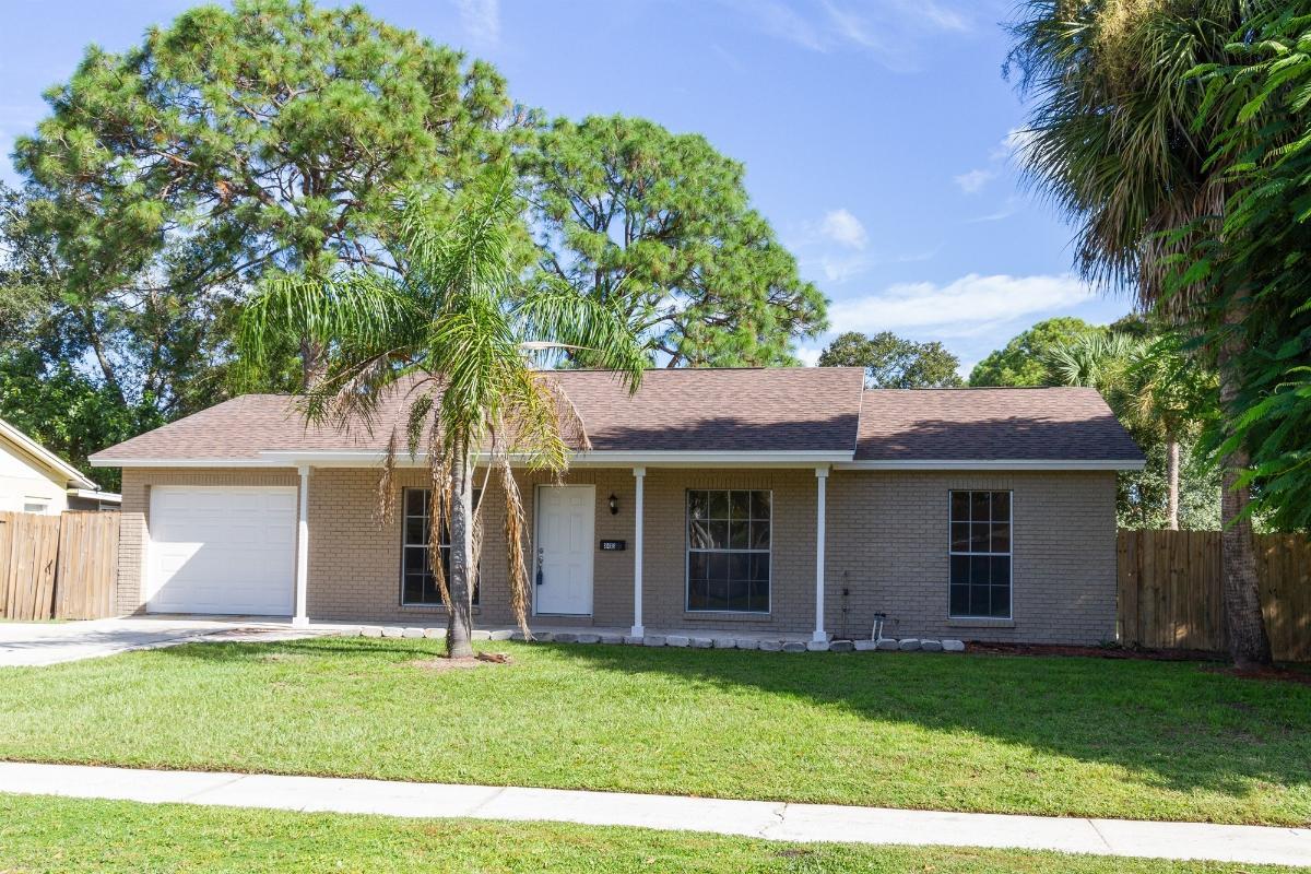 8413 Woodhurst Dr, Tampa, Florida