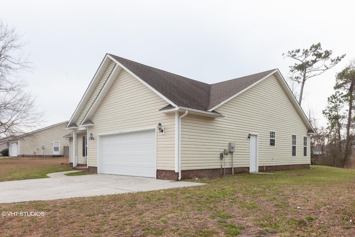 211 Marsh Hen Ct, Swansboro, North Carolina