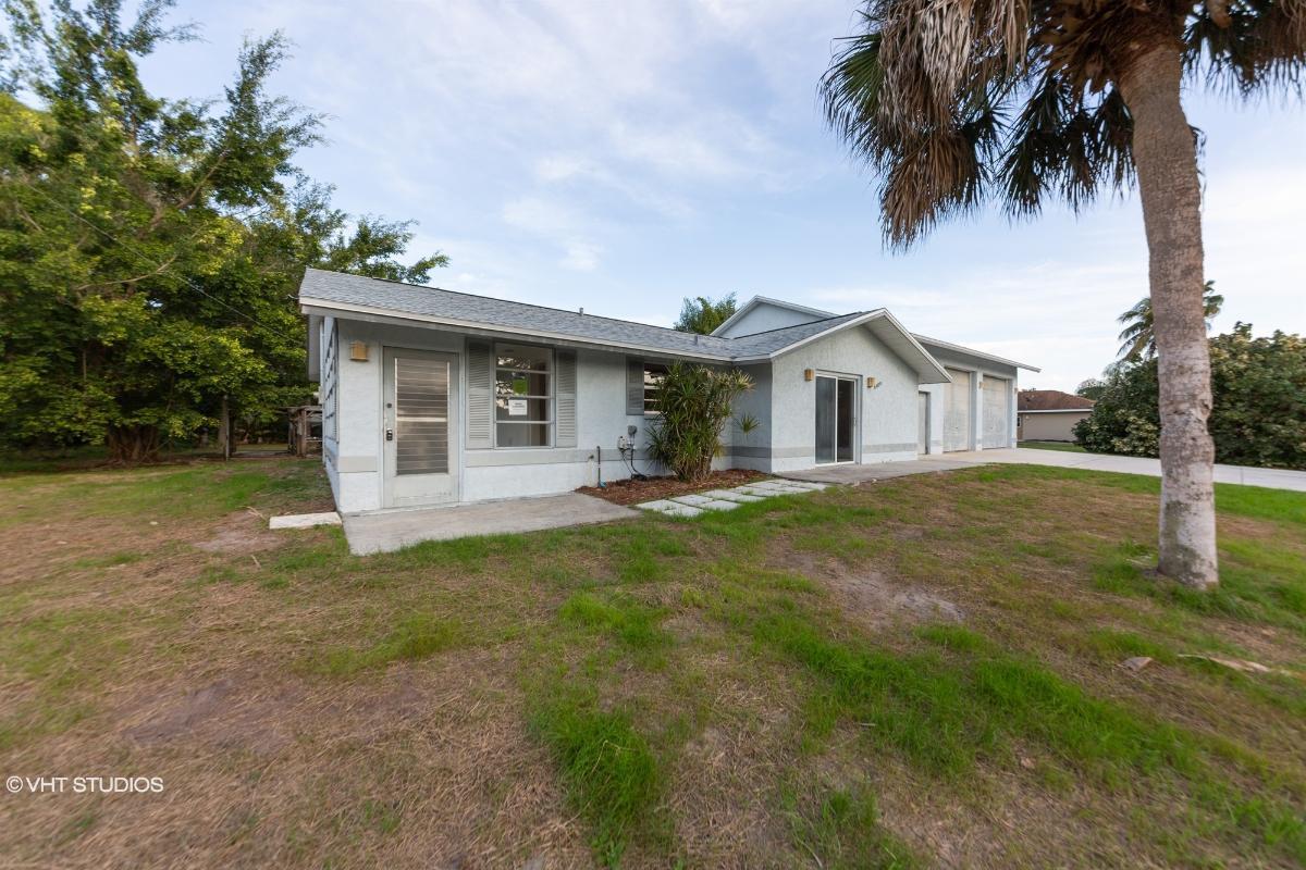 4160 4168 Reynolds Ln, Port Charlotte, Florida