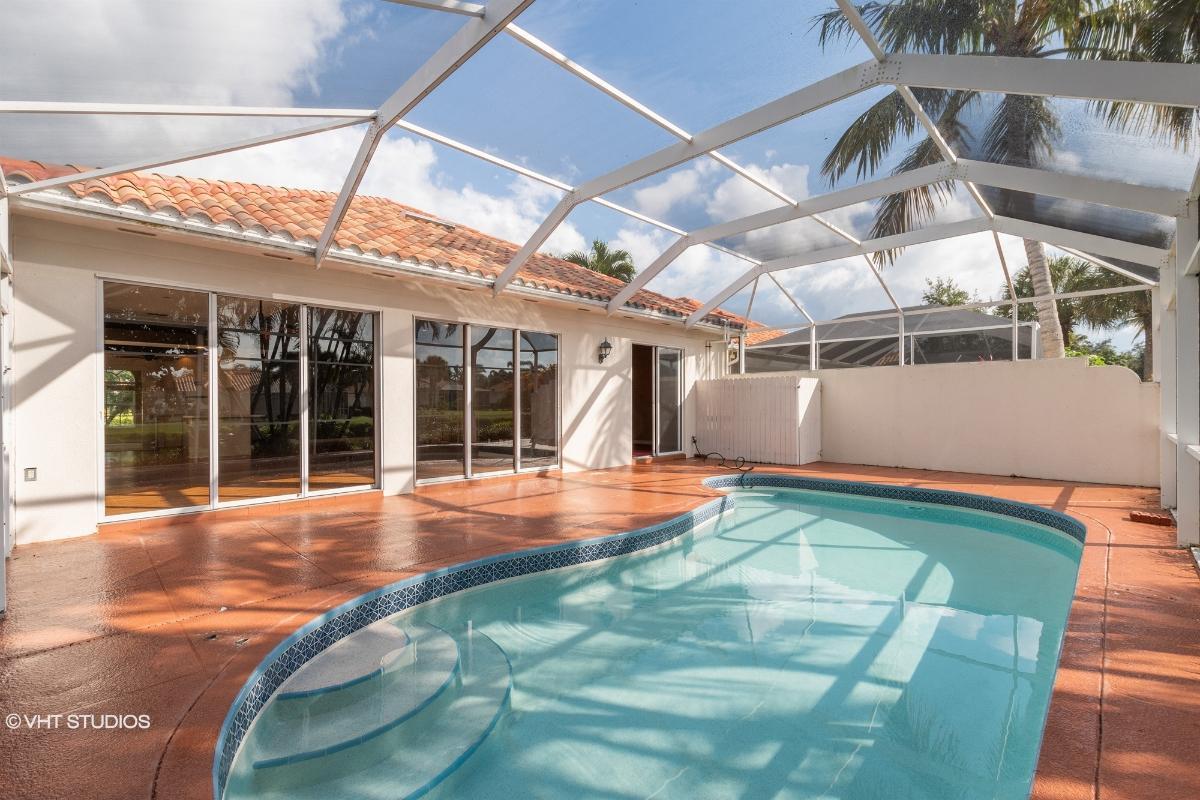 3825 Huelva Ct, Naples, Florida