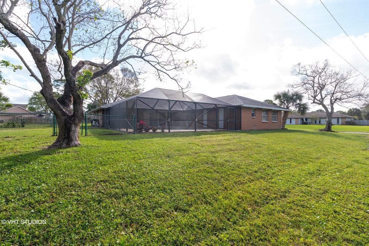 1100 Humay Ave Ne, Palm Bay, Florida