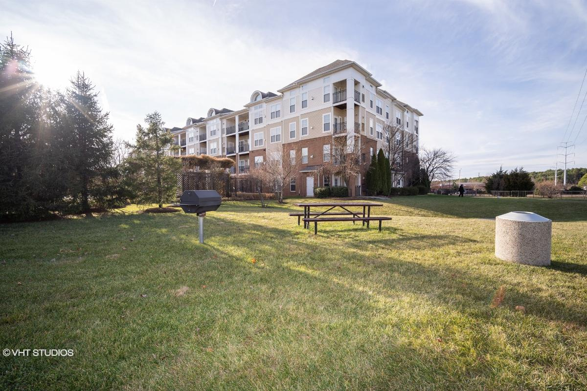 3810 Lightfoot St 107, Chantilly, Virginia