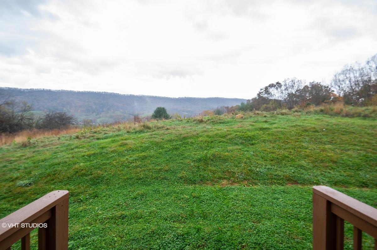 111 Mountain Field Road, Pearisburg, Virginia