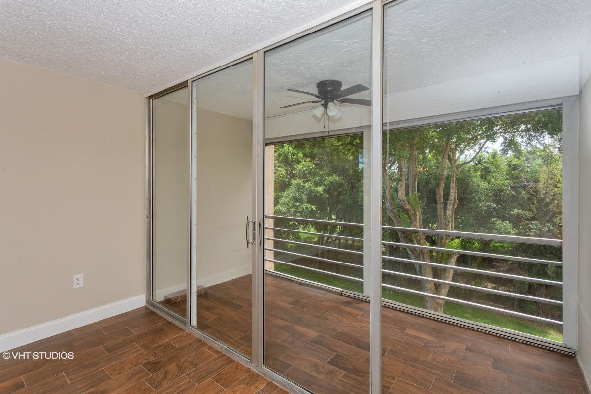 9495 Evergreen Place 307, Davie, Florida