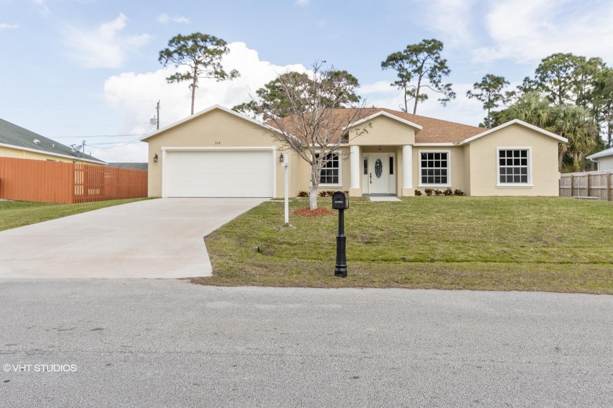 208 Sw Milburn Cir, Port Saint Lucie, Florida