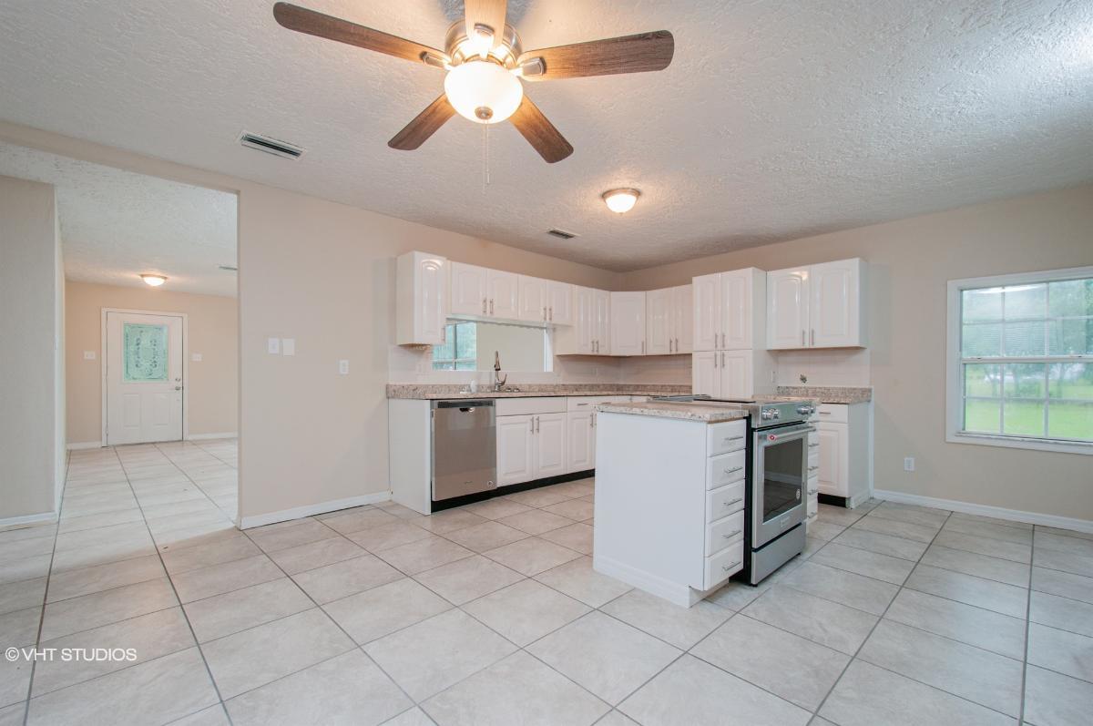2991 Se 143rd Ter, Morriston, Florida