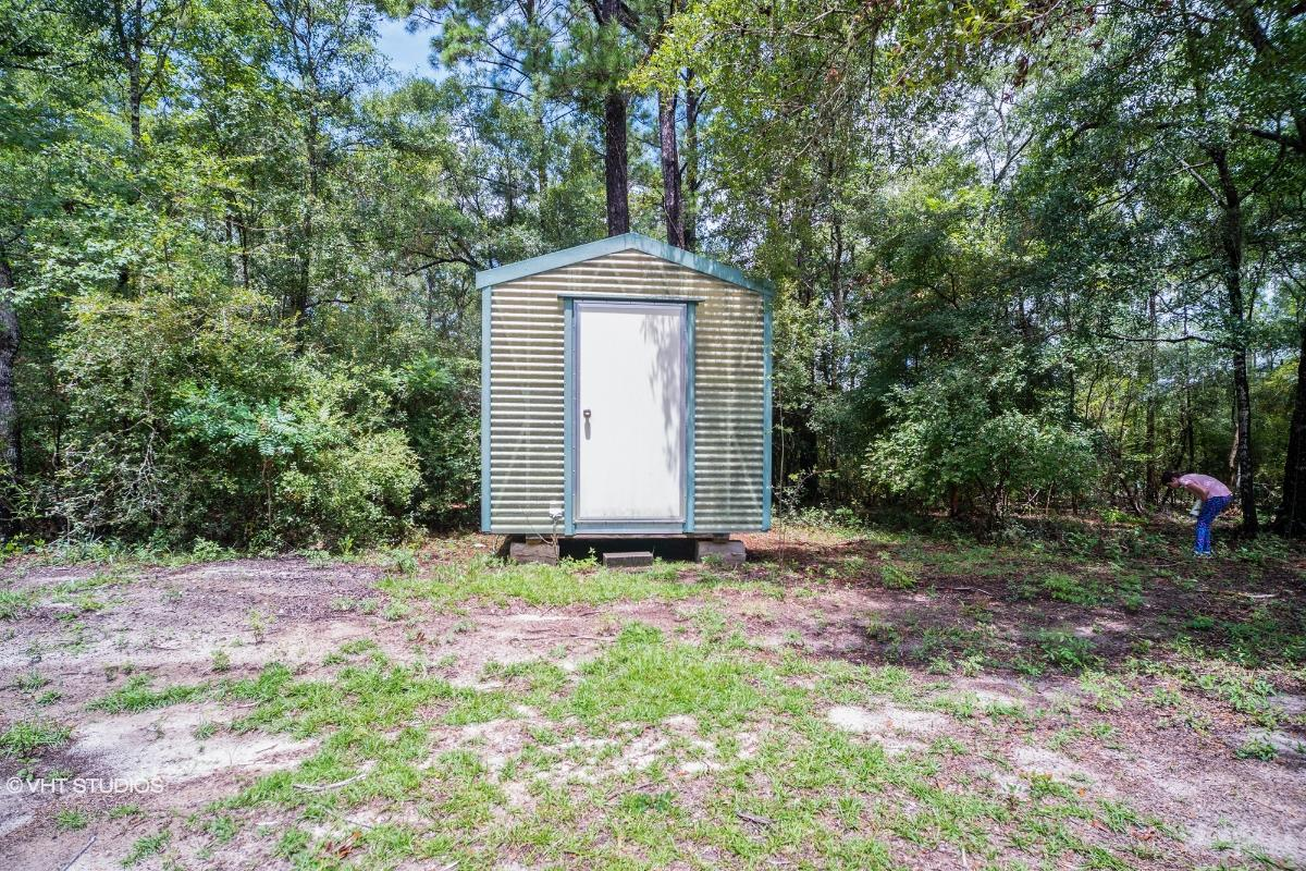 11 Terry Ln, Crawfordville, Florida