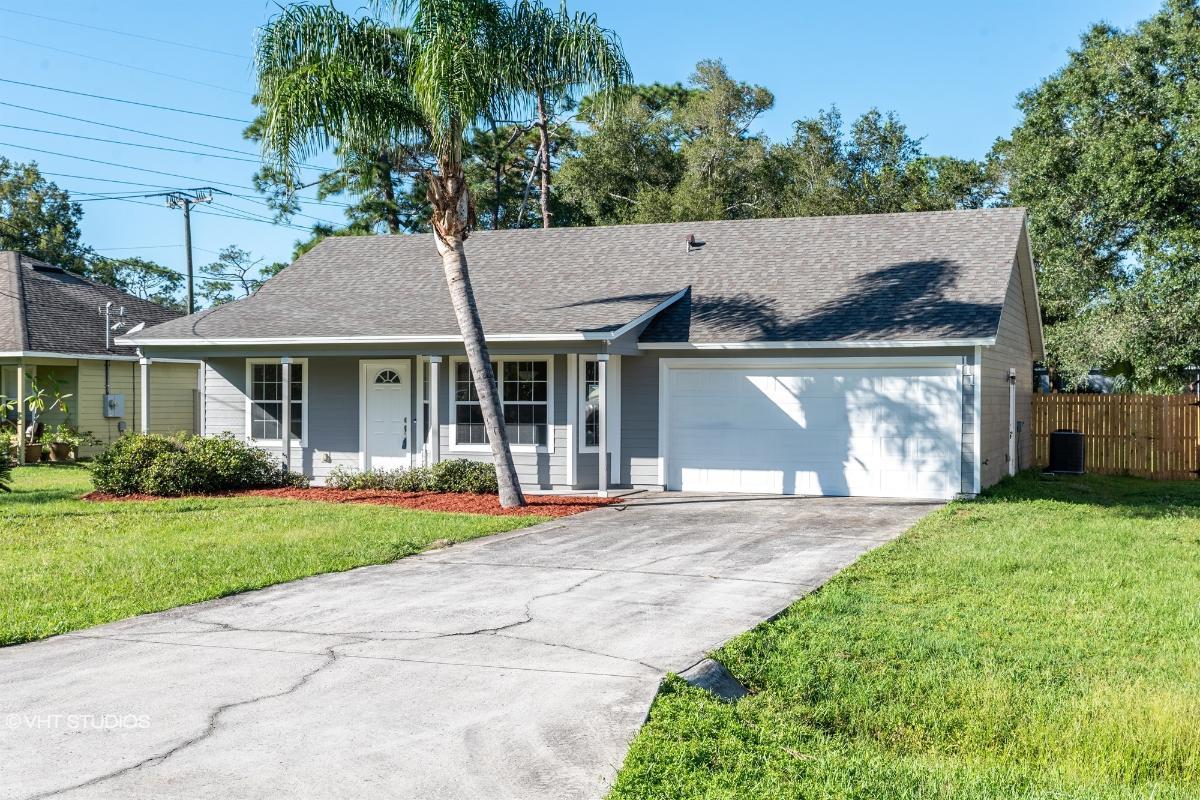 111 E 8th St, Chuluota, Florida