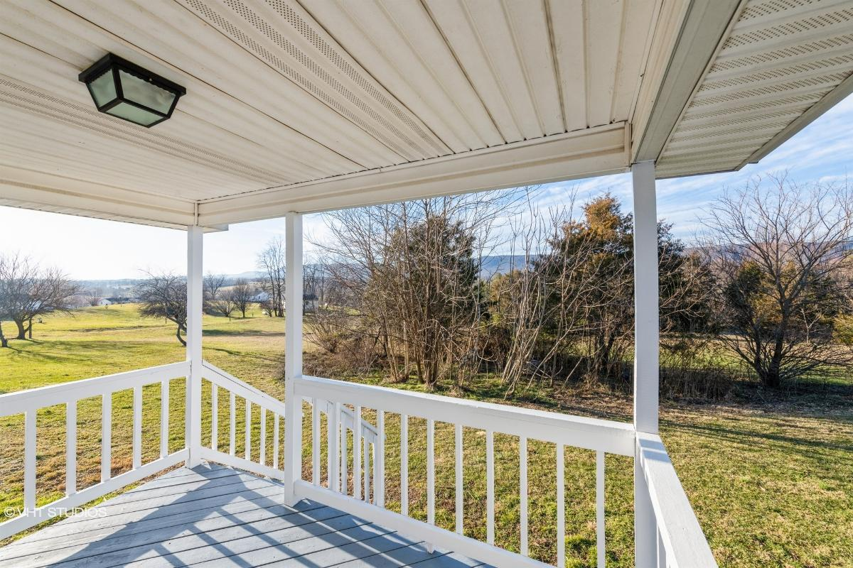 332 Windy Hill, Toms Brook, Virginia