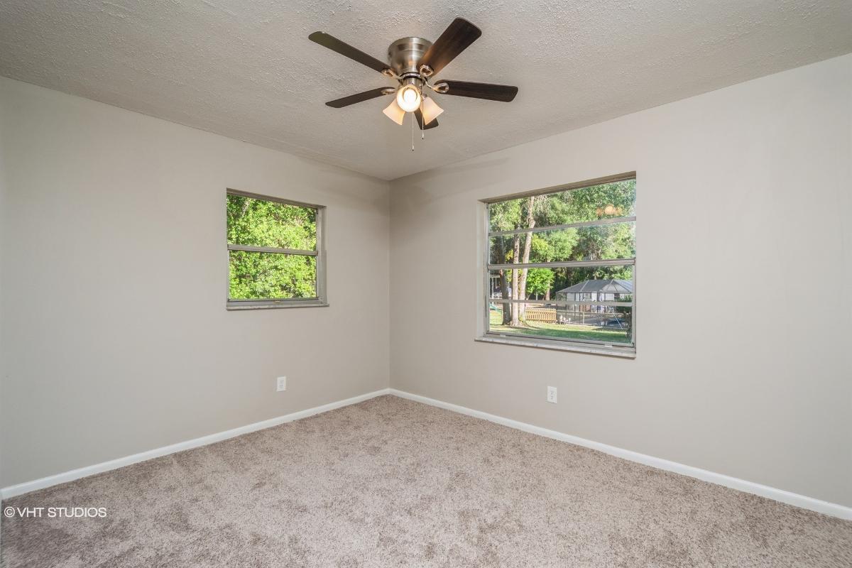 1146 S Highlands Ave, Inverness, Florida