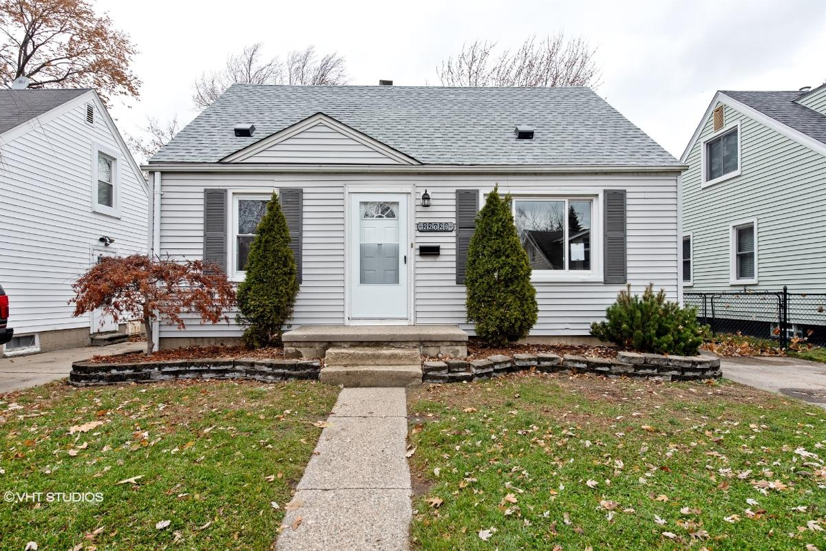 22029 Avalon St, Saint Clair Shores, Michigan
