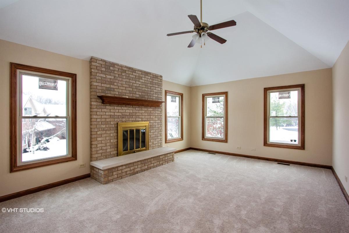 20324 W Buckthorn Ct, Mundelein, Illinois