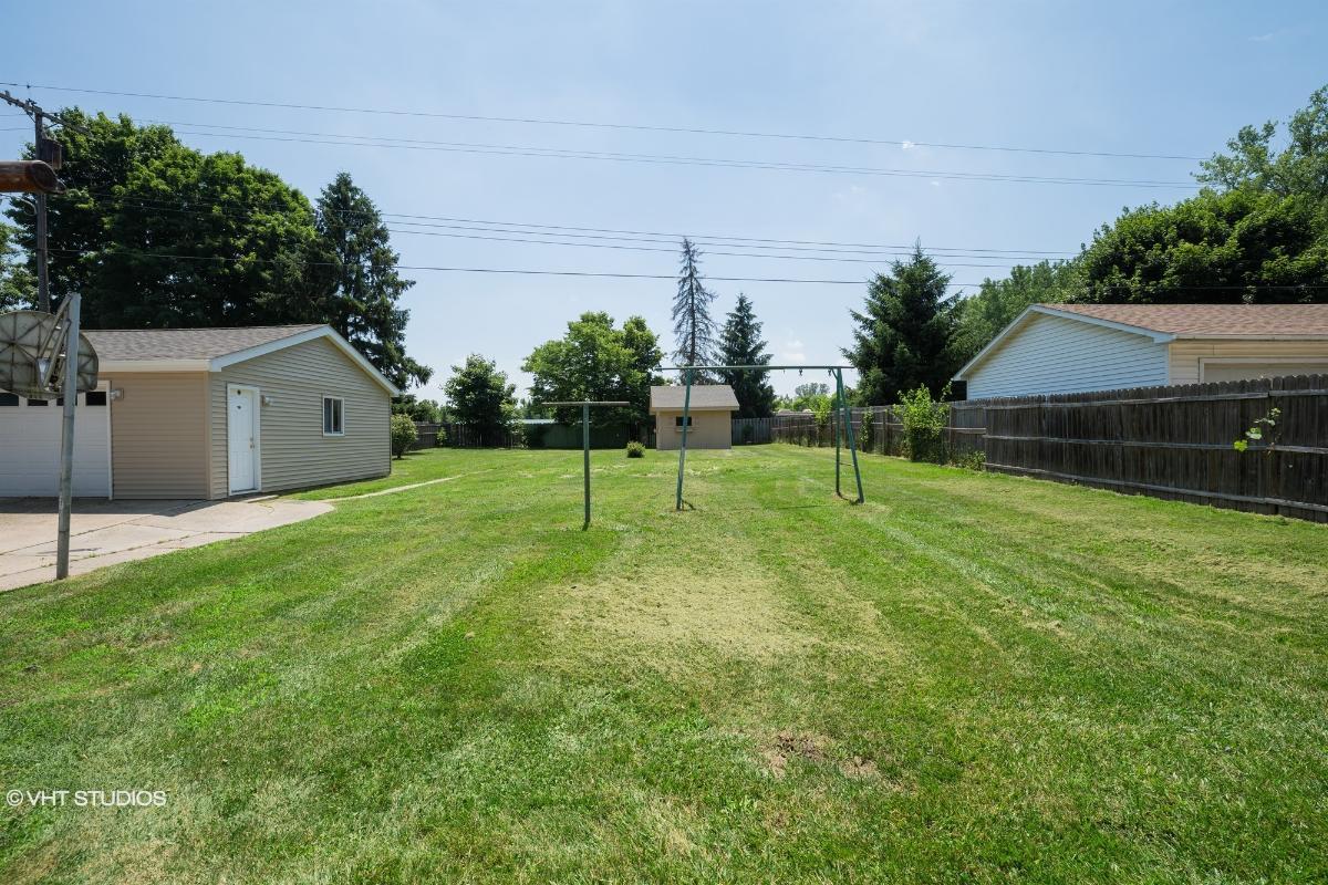 10892 Textile Rd, Belleville, Michigan