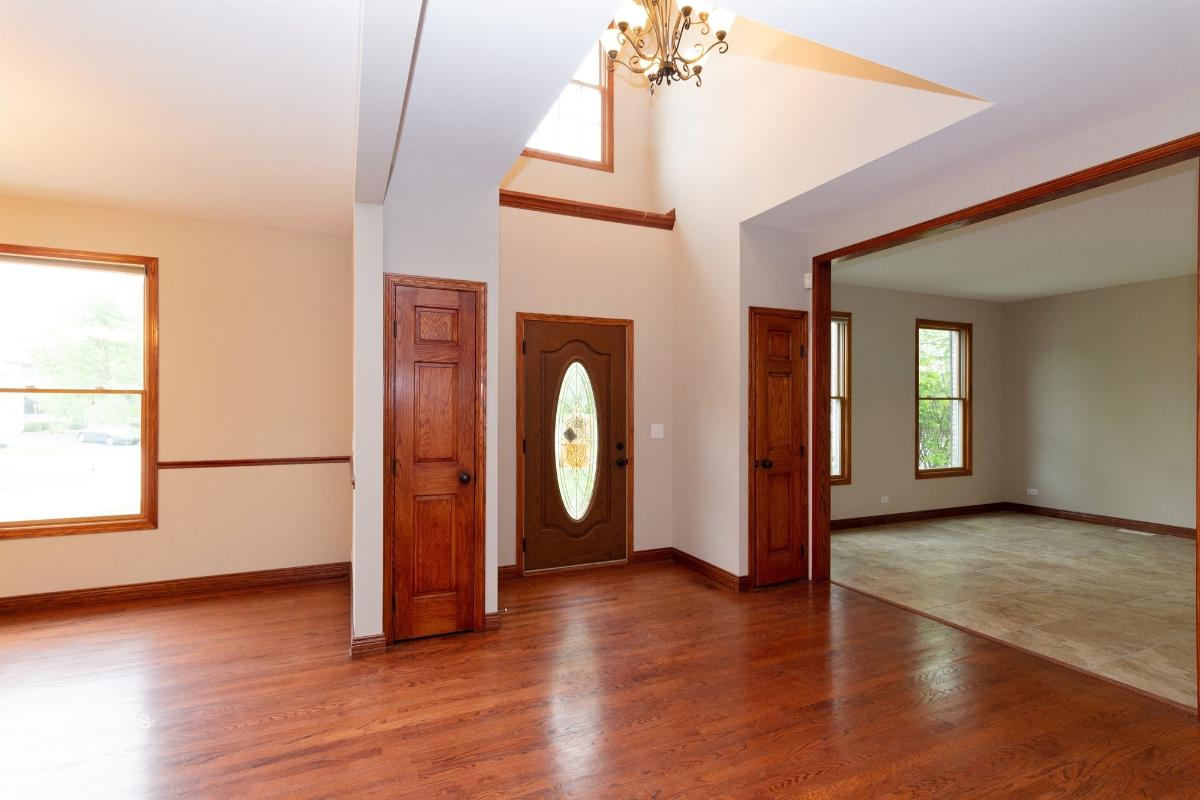 1500 Fox Path Ct, Hoffman Estates, Illinois