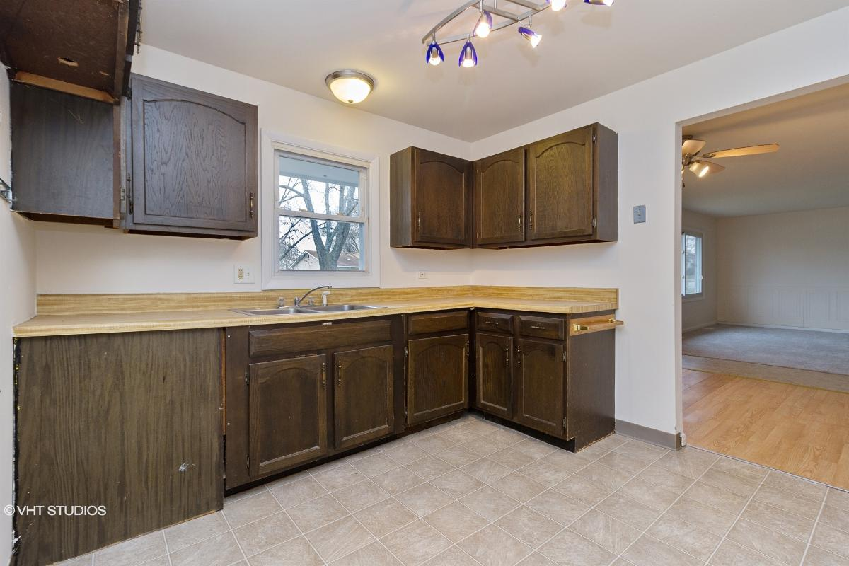 17620 Winston Dr, Country Club Hills, Illinois