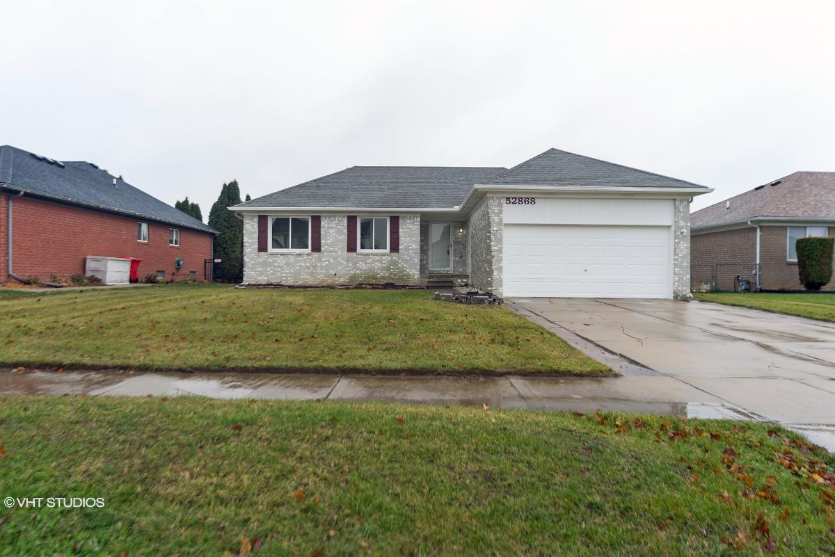52868 Turnberry Dr, Chesterfield, Michigan