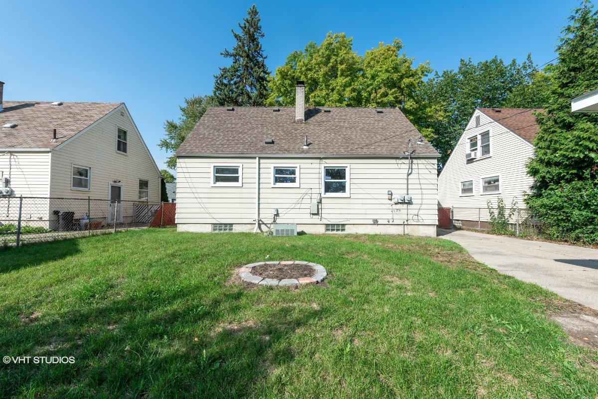 16740 Mayfield St, Roseville, Michigan