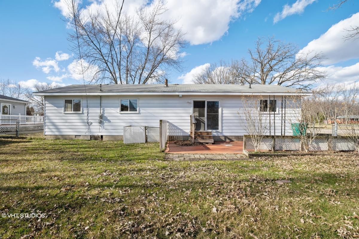43933 Crowley Rd, Belleville, Michigan