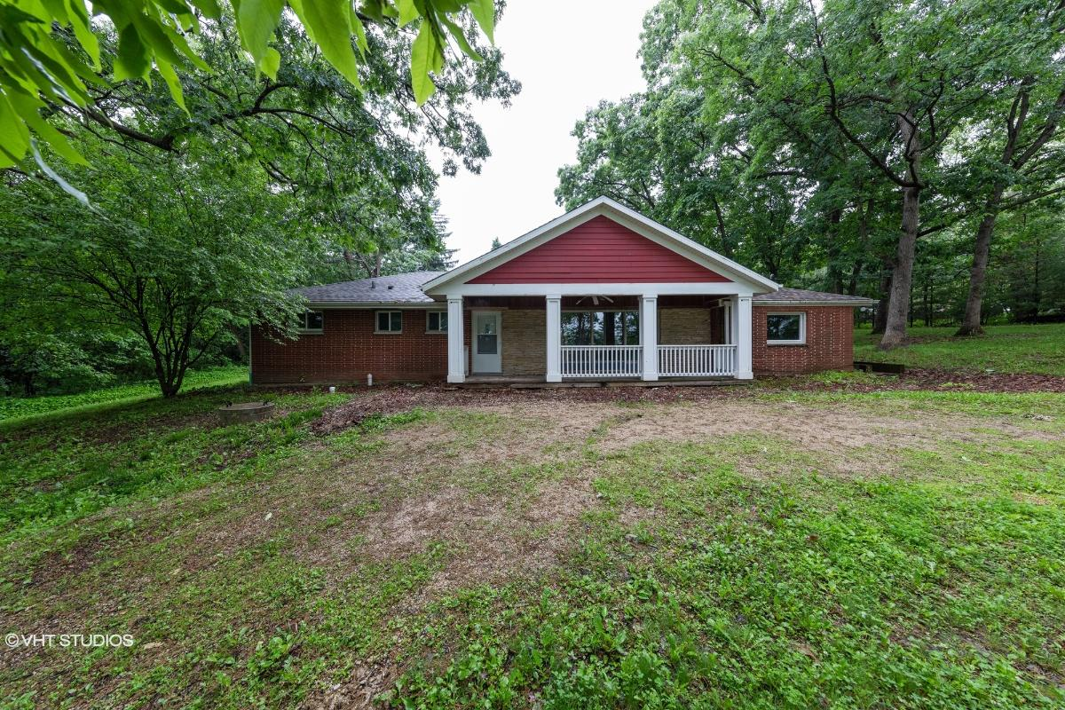 N79w24 949 Plainview Rd, Sussex, Wisconsin