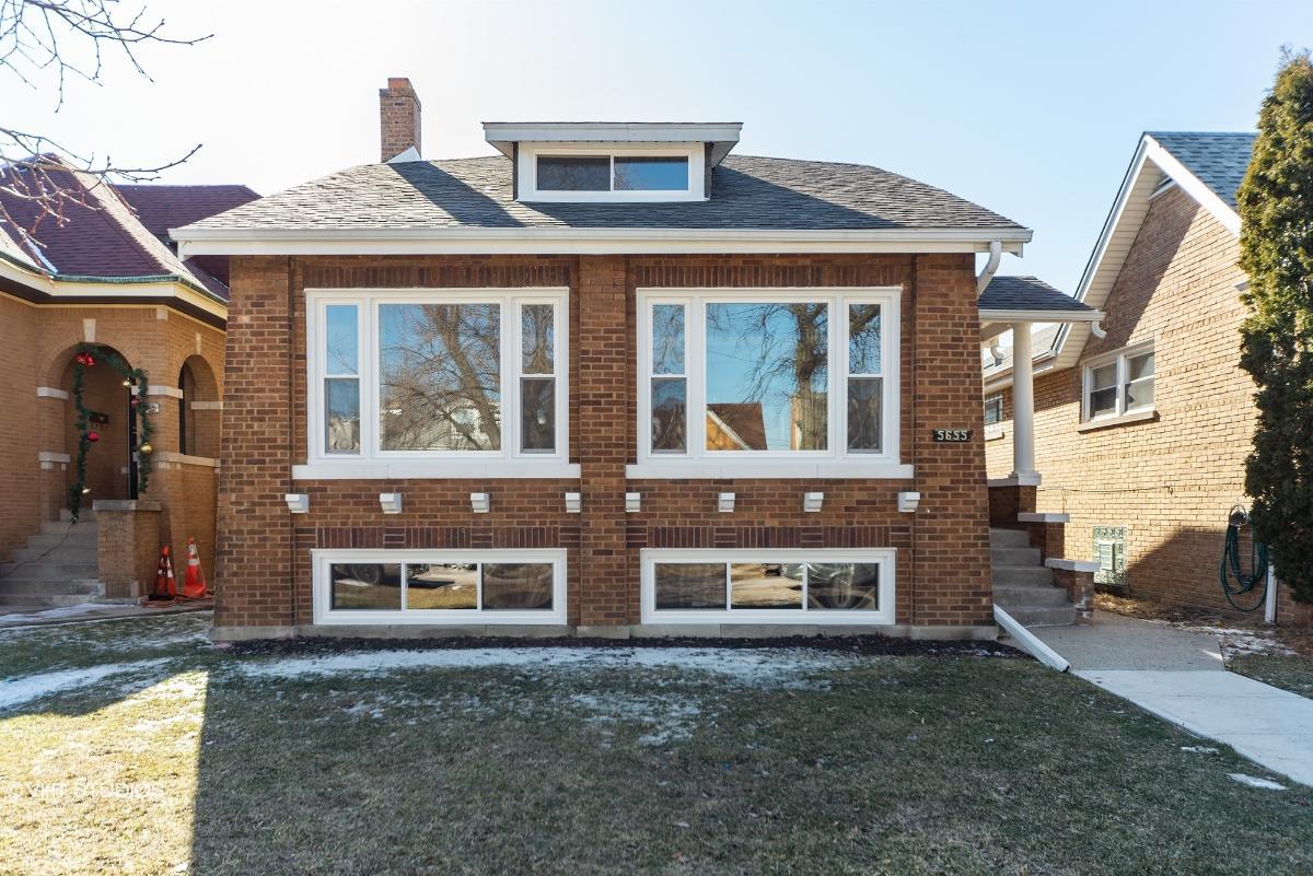 5655 W Henderson St, Chicago, Illinois