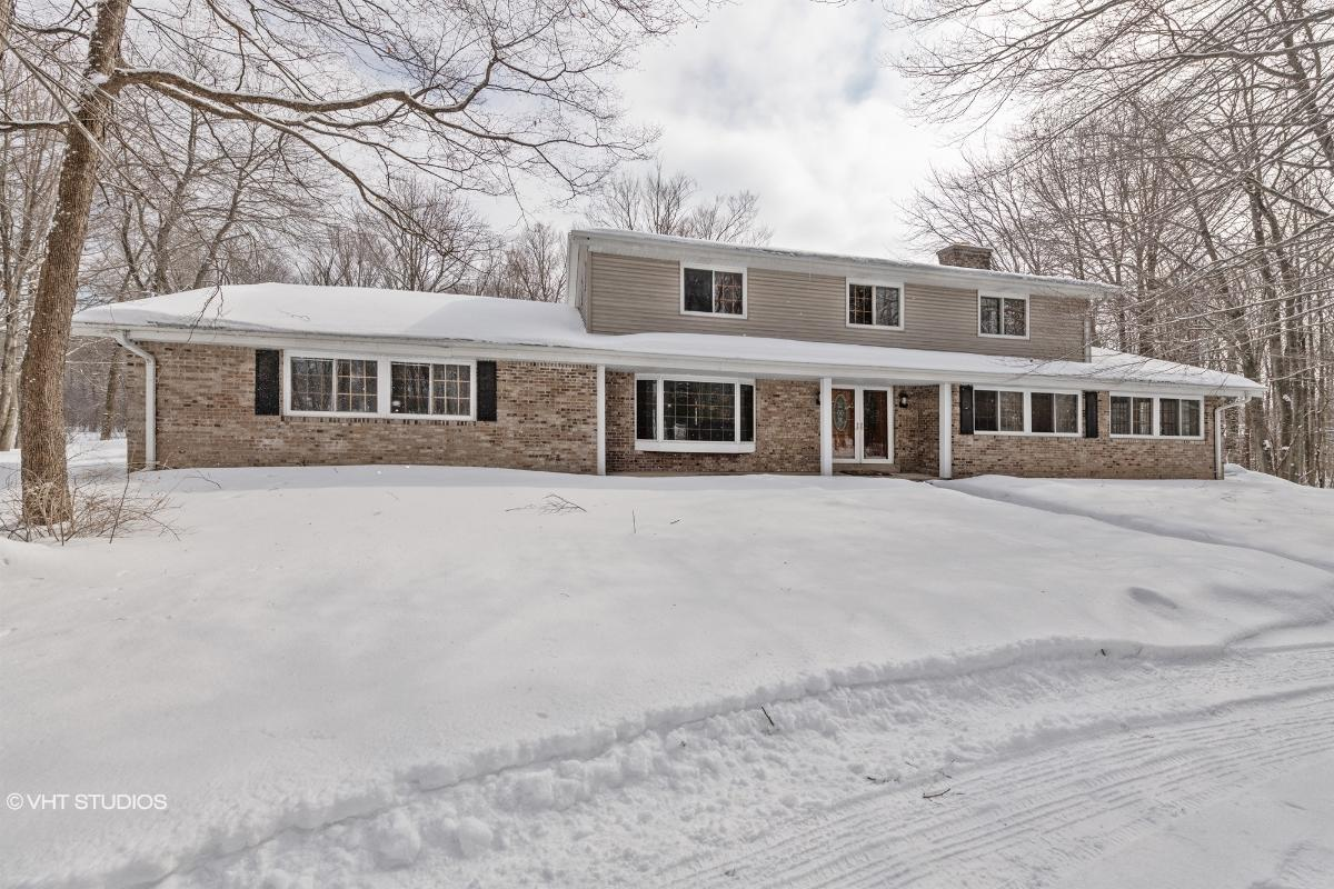 13128 N Fox Hollow Rd, Mequon, Wisconsin