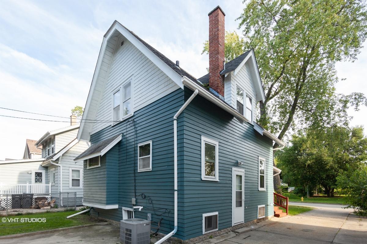 420 W Newhall Ave, Waukesha, Wisconsin