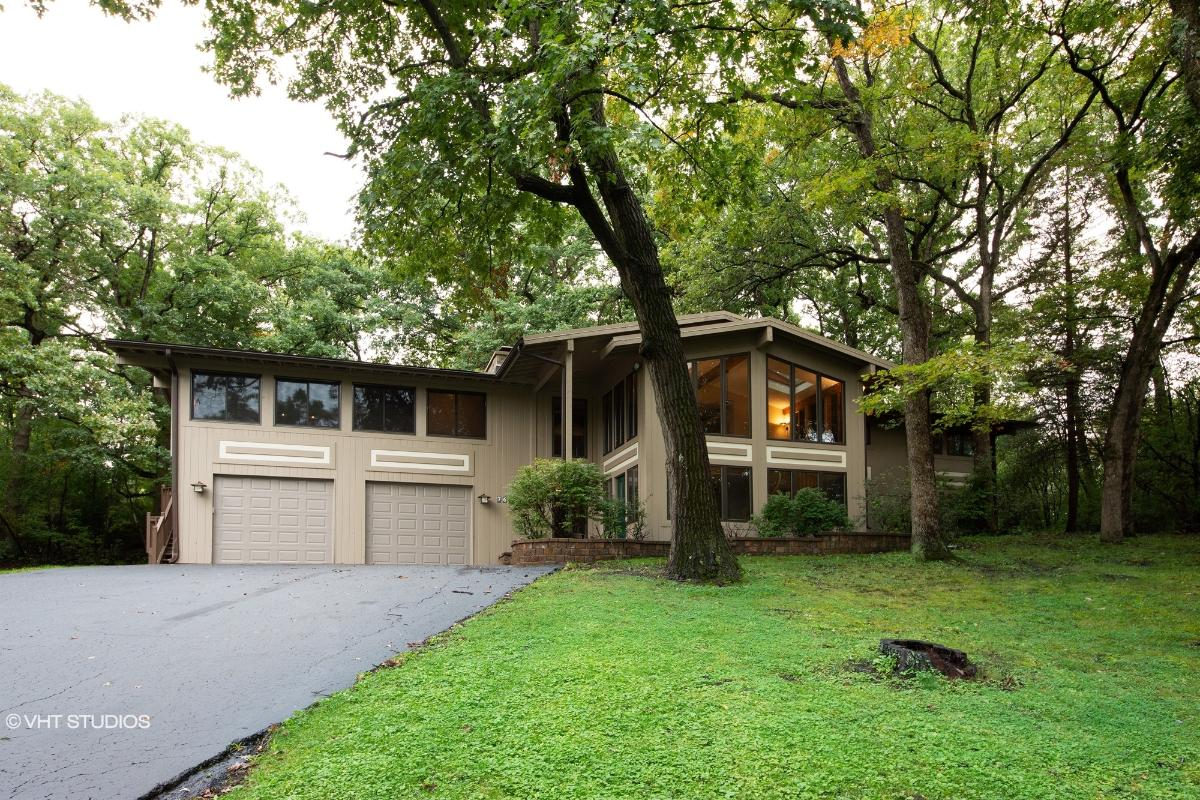 76 Lake Shore Dr, Barrington, Illinois