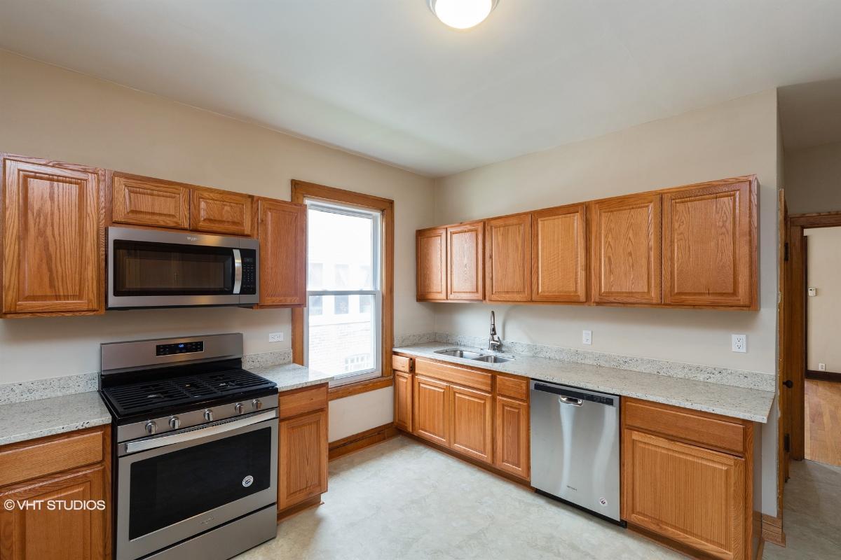 5650 S Artesian Ave, Chicago, Illinois