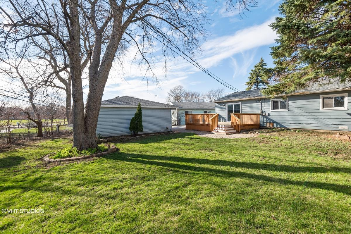1542 Charles Dr, Glendale Heights, Illinois